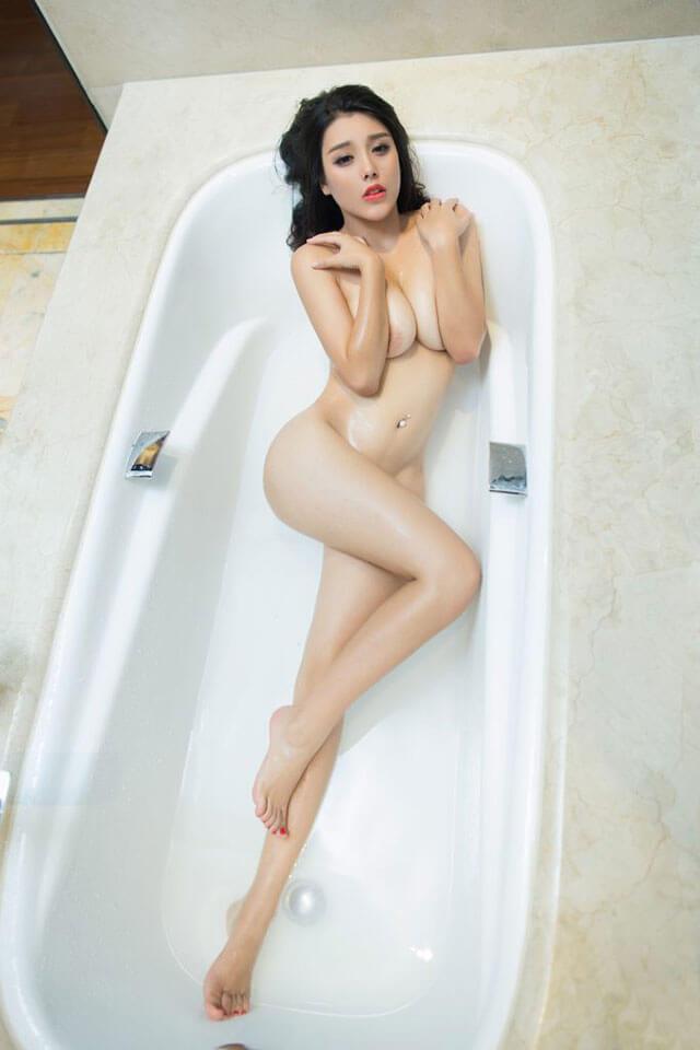 full ảnh gái xinh khỏa thân không mặc quần